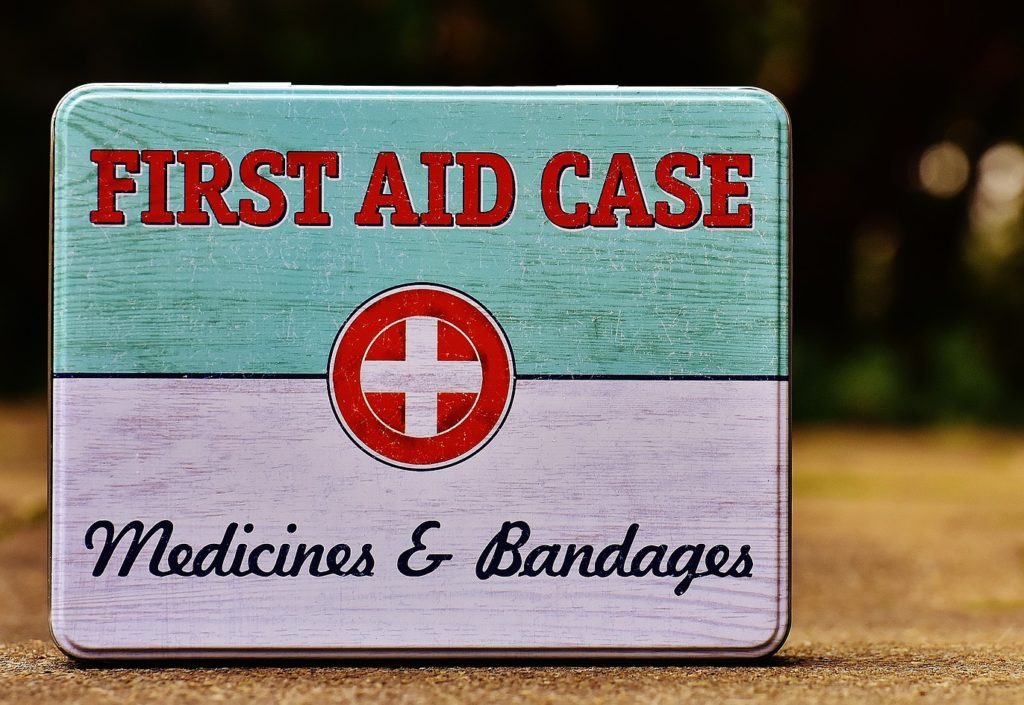 kayaking-emergency-first-aid-kit
