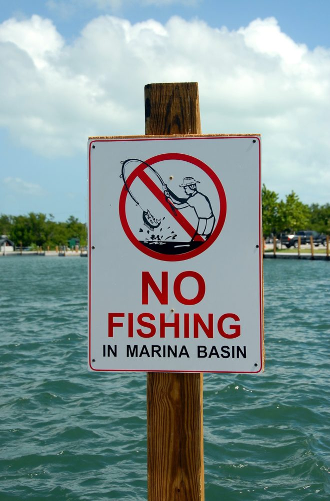 NO fishing regulation sign fine